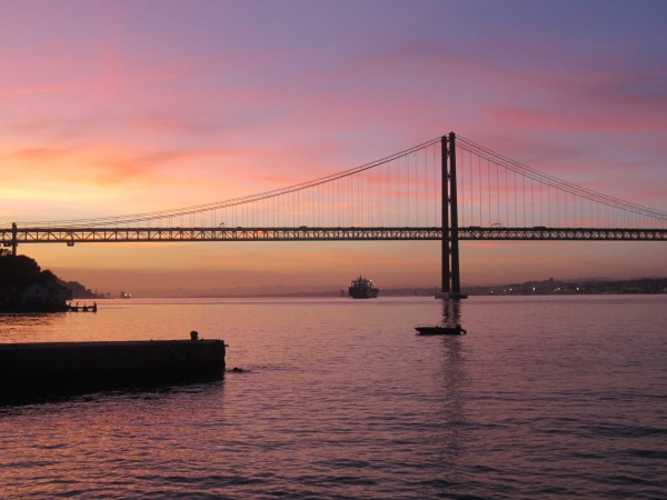 25 de abril Bridge, bridge similar to golden gate, lisbon, portugal, best sunsets in the world, winter in portugal, best destinations in europe