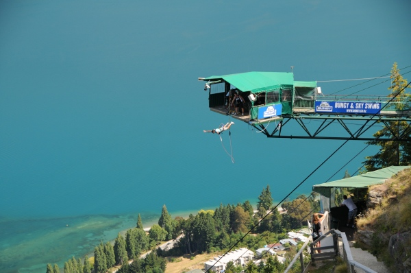 new zealand, bungee jumping, bungy jump. queenstown, extreme sports, adventure experiences