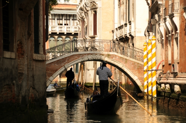 gondola, venice canals, best places in italy, italia, canals