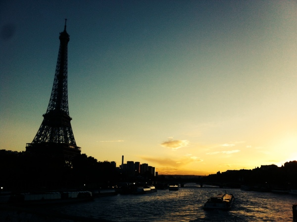 visit paris, eiffel tower, most famous monuments, most visited places in europe, the city of love, france, ile de france, senne river, touristing around